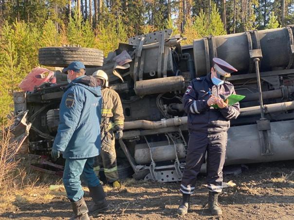 В ДТП на трассе Серов-Североуральск-Ивдель погибли два че...