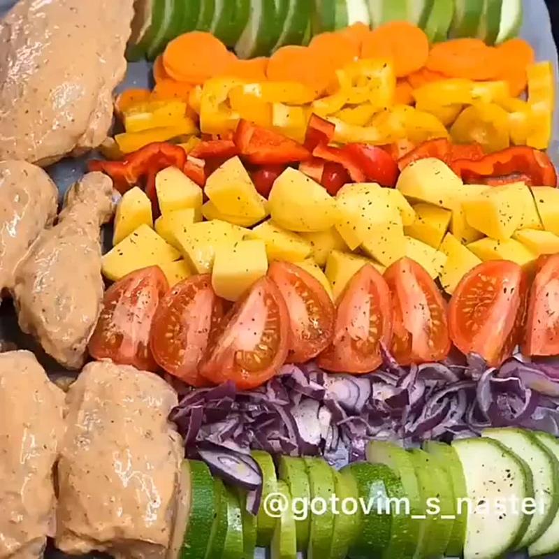 Сочная курочка запечённая с овощами